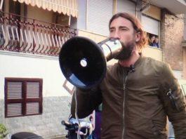 Striscia la Notizia, nuova aggressione a Brumotti al Rione Traiano