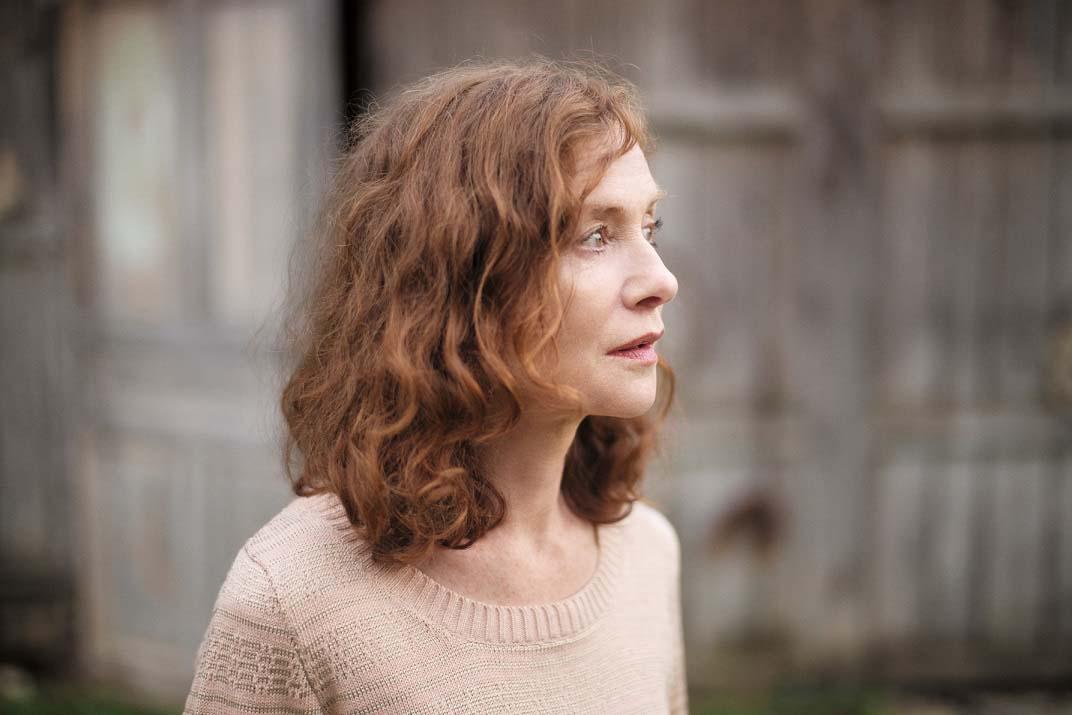 In Francia oggi le donne discutono e un anno fa usciva Elle con la Huppert