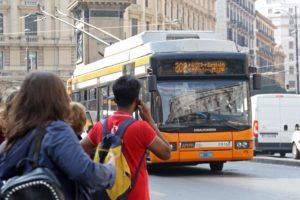 Sciopero dei trasporti, a Napoli poche adesioni. E' il traffico a creare disagi