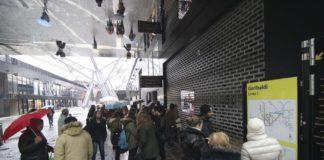 ANM, caos metrò: polizia libera binari e treni ripartono dopo 7 ore