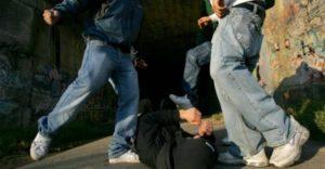 Cronaca di Napoli, baby gang: telecamere identificano aggressori del Policlinico