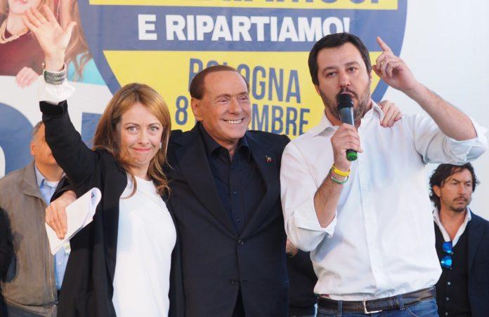 Matteo Salvini in conferenza stampa: