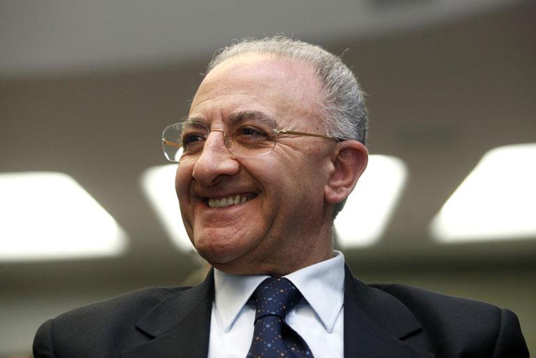 """20 milioni per stadio San Paolo, De Luca: """"Lo rifaremo completamente"""""""