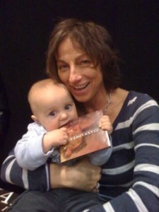 Maternità a 56 anni: quando il desiderio supera le barriere biologiche