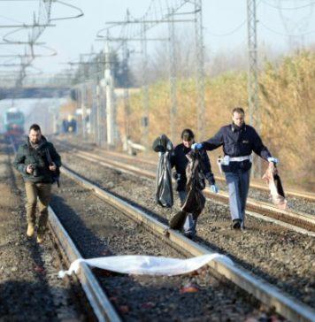Tragedia a Caserta: carabiniere insegue un ladro e viene travolto dal treno