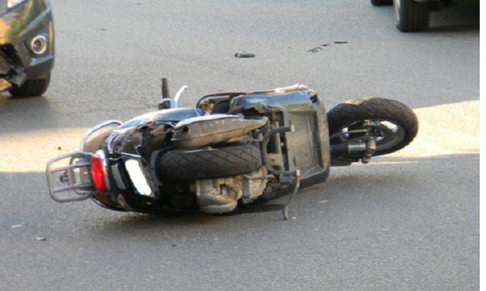 Napoli, Ponticelli: Investe uno scooter e scappa via. E' stato bloccato e arrestato