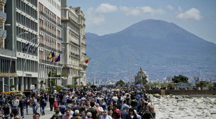 Napoli, pienone di turisti nel ponte di Pasqua. Sold out hotel e B&B