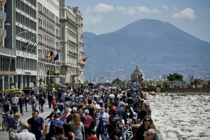 Comune di Napoli, pregi e difetti della città secondo i turisti
