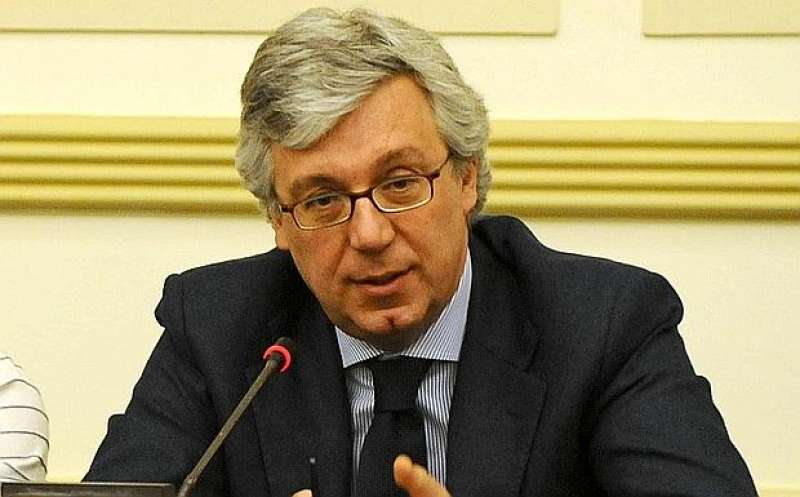 Vaccini, Governo ritira il decreto: l'annuncio di Paolo Siani
