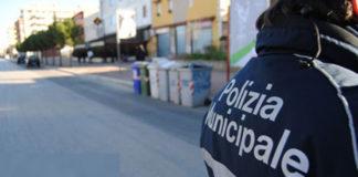 """Fuorigrotta, mercato """"Canzanella"""": sequestrati 22 quintali di merce alimentare"""