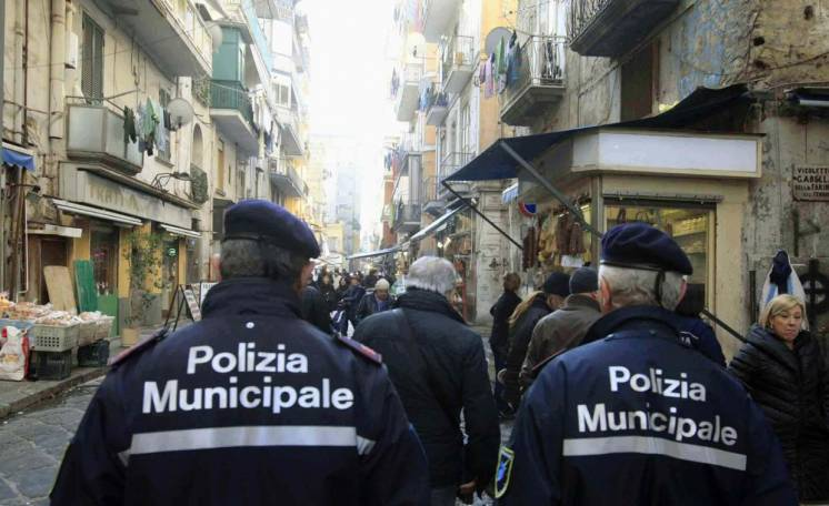 Movida a Napoli: il 24 dicembre vigili in borghese tra i baretti di Chiaia
