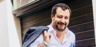 """Berlusconi: """"Chi costruisce non aspetti più le licenze"""". Ma Salvini ribatte: """"No al condono"""""""