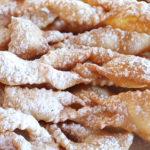 I dolci di Carnevale: Le chiacchiere e sanguinaccio. Ecco le ricette