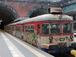 Eav, Fuorigrotta: vandali dei treni messi in fuga da una guardia giurata