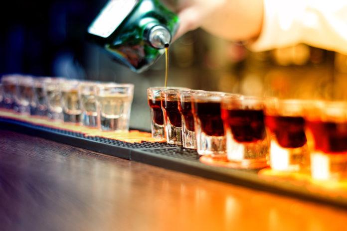 L'abuso di alcol aumenta il rischio della demenza senile precoce