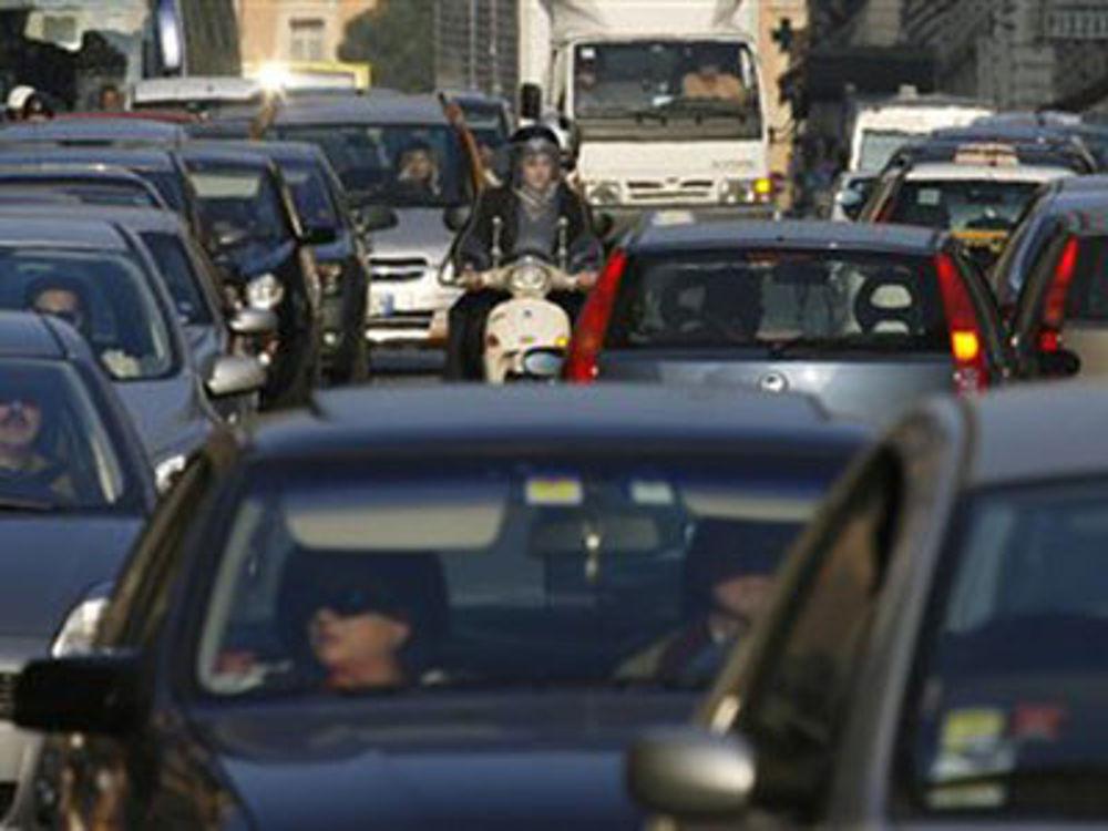 Napoli, corso San Giovanni: strada chiusa per lavori