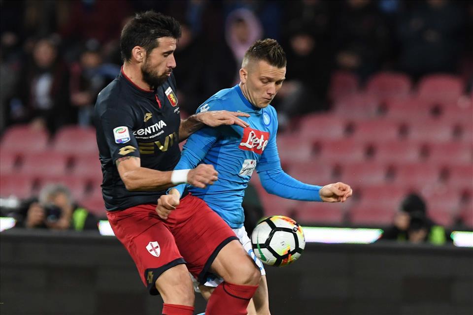 Ultime Calcio Napoli. Tre punti contro il Genoa: -2 dalla Juve