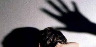 14 anni, subisce violenze in famiglia perché omosessuale