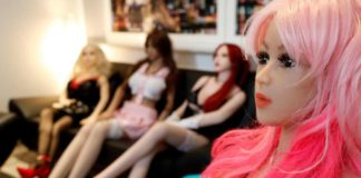 Parigi, aperto il primo bordello di bambole in silicone