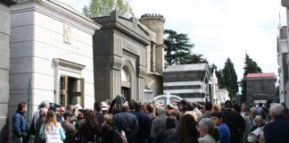 Cimiteri senza personale: a Napoli si può morire solo nei giorni feriali