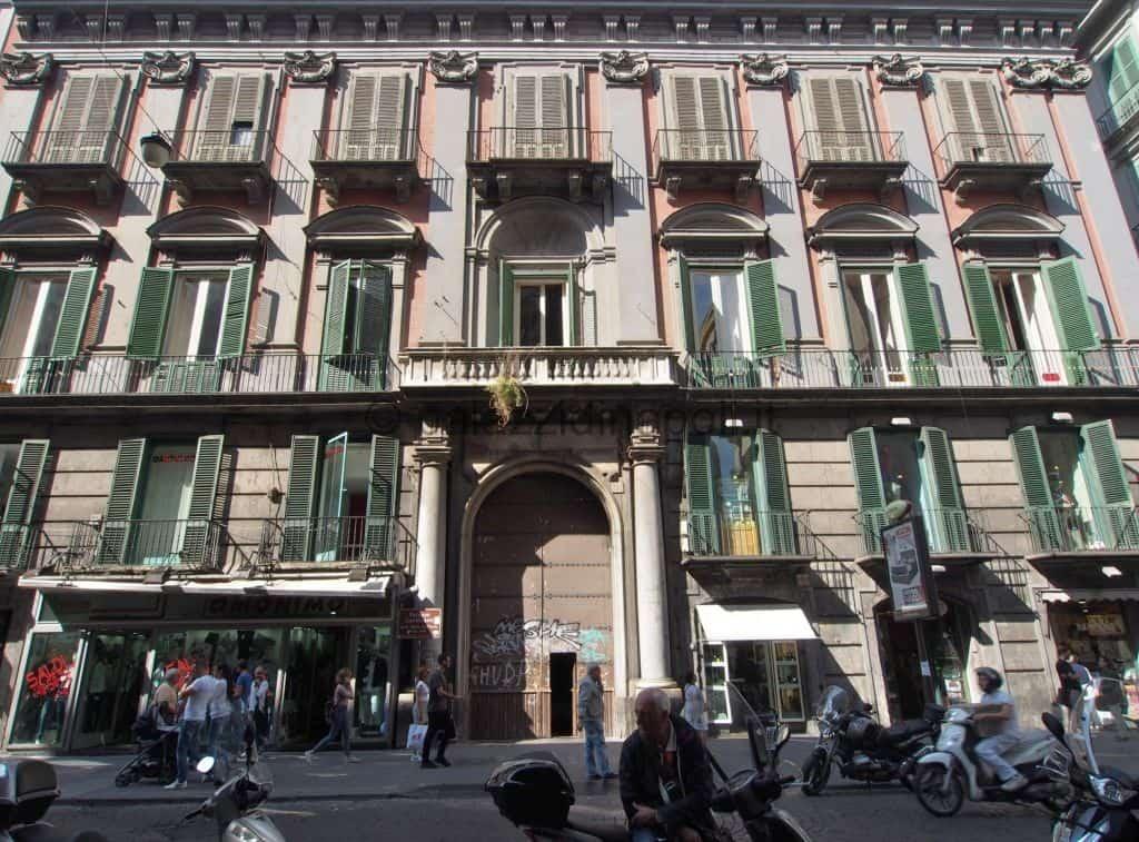 All'asta 13 beni del patrimonio immobiliare del Comune di Napoli