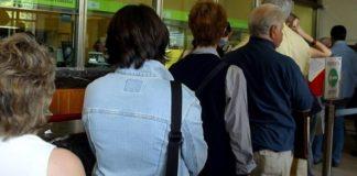 Reddito di cittadinanza, code a Bari: ma è solo una fake news