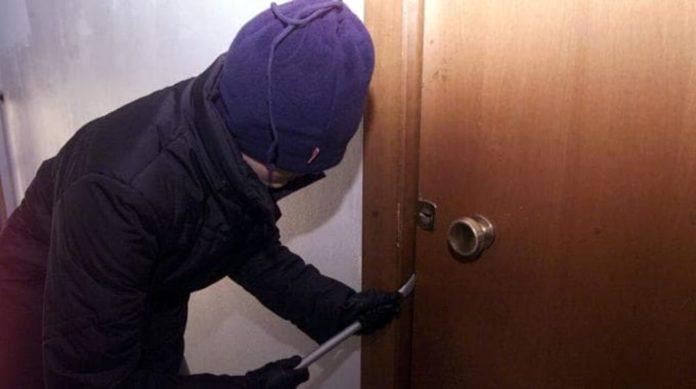"""Caserta, furti a Maddaloni: banda dei topi d'appartamento """"scatenata"""""""