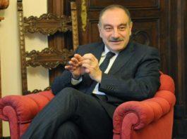 Prefetto di Salerno sospeso per insulti ai dipendenti
