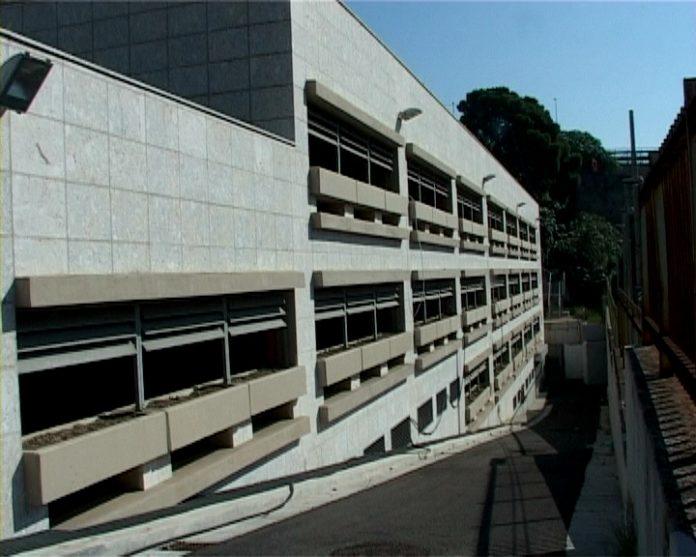 Napoli, Pozzuoli: arrestati per truffa 10 dipendenti del parcheggio comunale