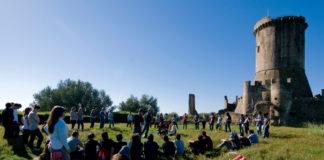Stefano Benni a Vallo per il Decennale del Festival della Filosofia in Magna Grecia.Dal 16 al 20 aprile 1500 studenti tra Velia, Paestum, Casal Velino e Vallo della Lucania. Ecco le scuole coinvolte.