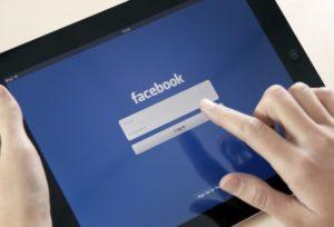 Facebook, nuove regole privacy: per under 15 servirà l'ok dei genitori