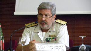 Sottomarino nucleare Usa nel Porto di Napoli, de Magistris protesta