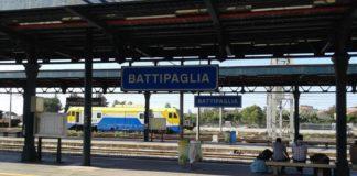 Salerno, è morto il 19enne travolto dal treno a Battipaglia