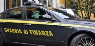 Cronaca di Napoli. Scoperto falso promotore finanziario