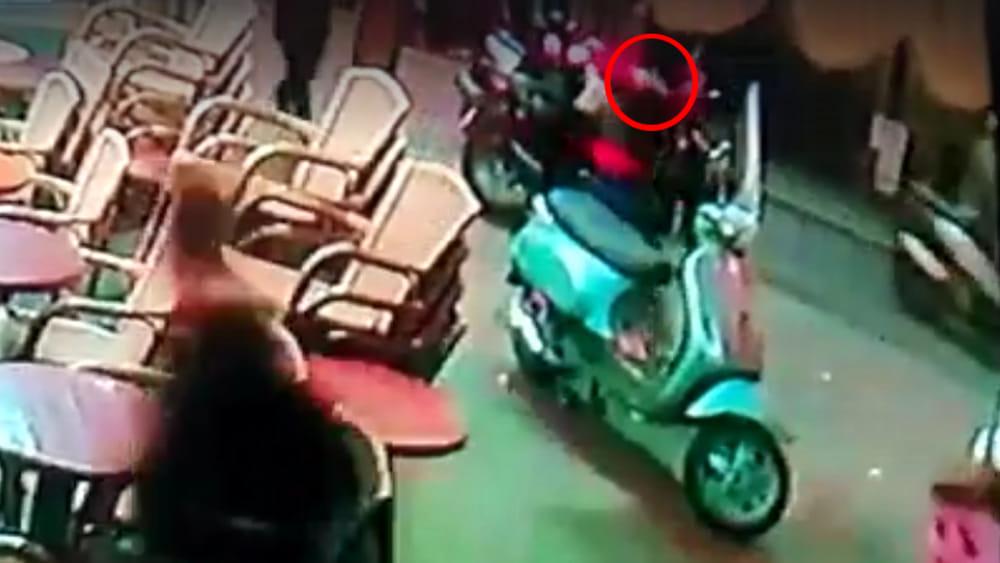 Napoli, arrestato l'autore della sparatoria a Piazza Trieste e Trento