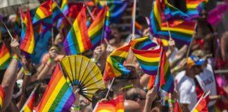 """Salerno Pride, polemiche della Lega: """"Sfilata carnevalesca"""""""