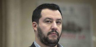 """Salvini: """"Capisco madre ragazzo ucciso, ma sto con chi indossa la divisa"""""""