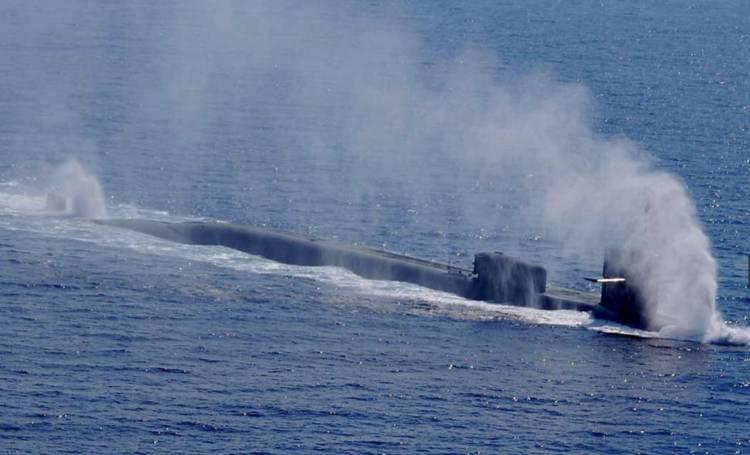 Napoli, sottomarino nucleare Usa nel porto/ Ultime notizie: usato per attacco in Siria, de Magistris protesta