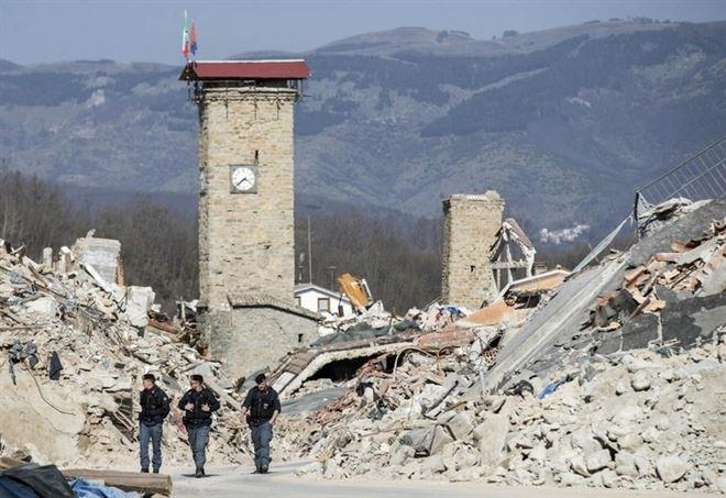 Terremoto nelle Marche: scossa di 4.6. Crolla campanile storico