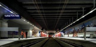 Torino, inciampa e cade su binari della stazione Porta Susa: muore 15enne