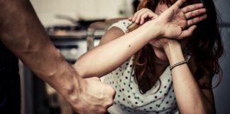 Giugliano in Campania, minaccia e aggredisce l'ex moglie: arrestato 39enne