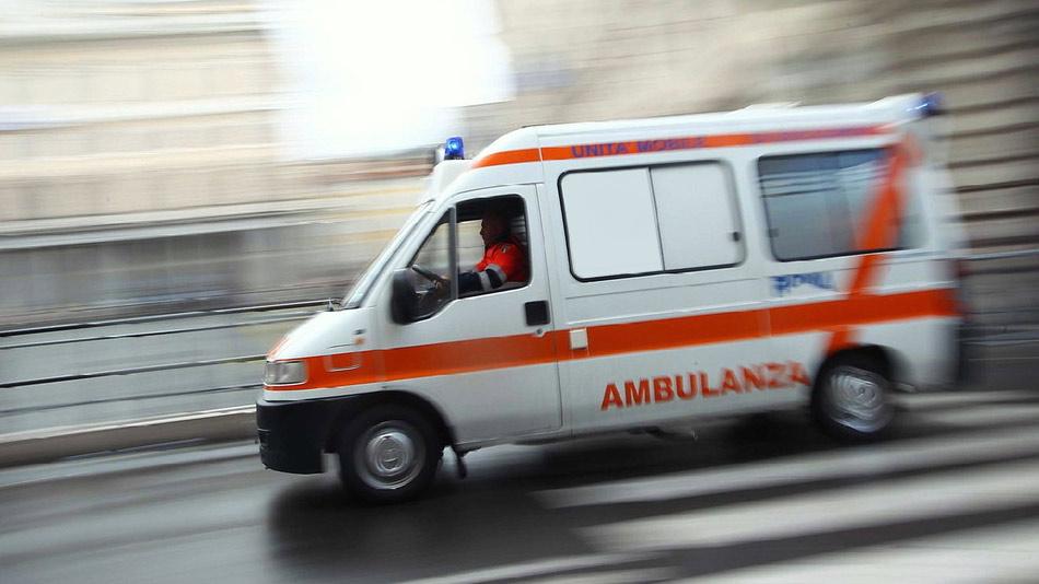 Napoli, spinello in gita: studentessa milanese cade dalla finestra