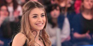 Amici 17, Emma incontra la Warner Music. La confessione di Carmen