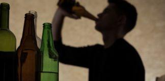 Esce dal coma il 13enne ricoverato dopo un mix di alcol e droga