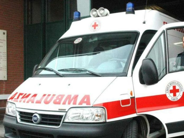Napoli, Fuorigrotta: Donna si suicida lanciandosi nel vuoto