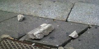 Napoli, cade cornicione a Chiaia: trauma cranico per bimbo di un anno
