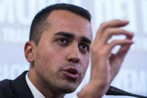 """Governo, si attende la lista di Cottarelli. Di Maio: """"Tutti in piazza il 2 giugno"""""""