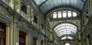 Napoli, Galleria Principe chiusa per crollo di calcinacci