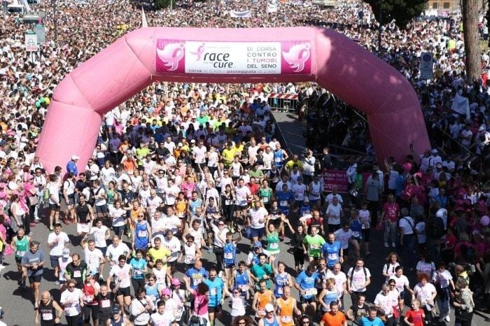 """Race for the cure, """"di corsa"""" per la per lotta ai tumori al seno"""