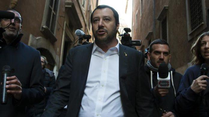 Salvini in arrivo a Napoli, la città si divide nelle sue reazioni
